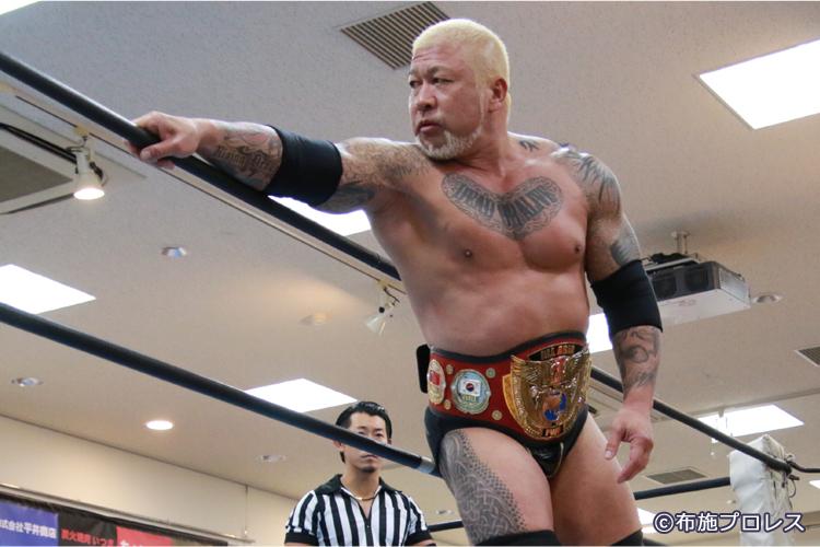 第3試合の3WAYマッチに出場のボディガー選手。アジアヘビー級チャンピオン