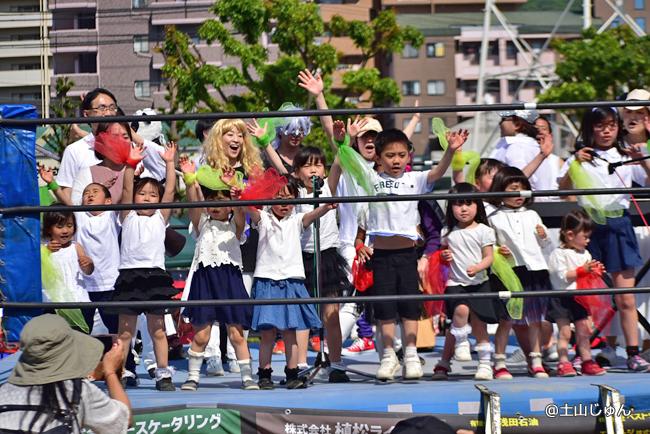 子供たちだけでなくたくさんの参加で大盛り上がり!中納由嘉さん
